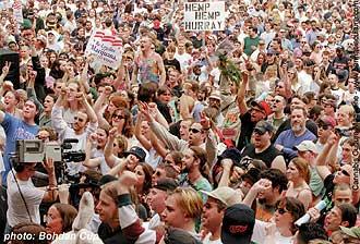 Hash Bash crowd: over 5,000 people celebrated pot culture despite cops, etc.