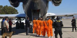 Prisoners in transport: (Photo: GEOGroup.com)