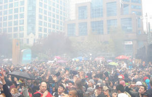A giant cloud of cannabis smoke hangs above the Vancouver Art Gallery last 4/20. (Photo by Jeremiah Vandermeer)