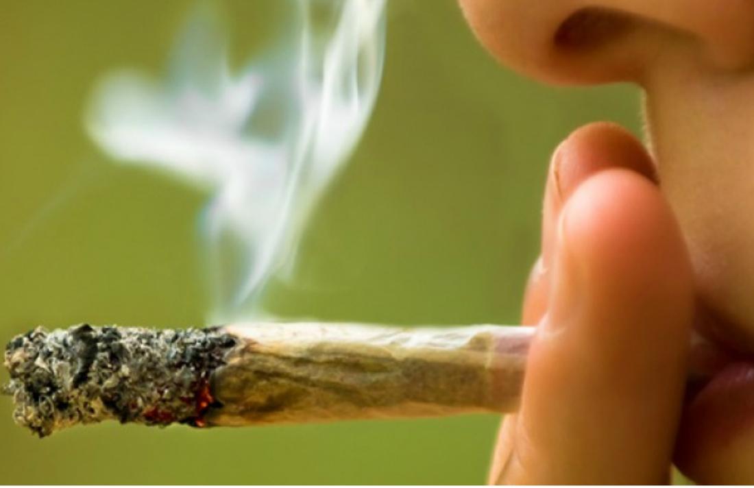 Girl-smoking-marijuana-close-up-shutterstock-800x430