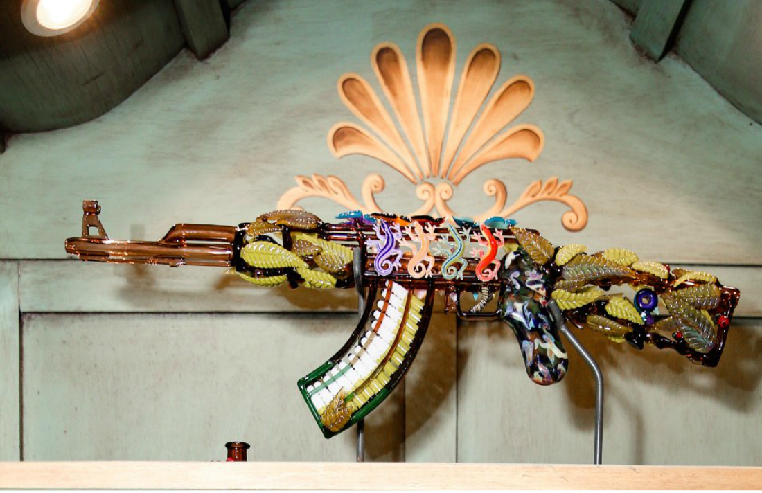 jungle-gun-by-robert-mickelsen-and-calvin-mickle-costs-60000