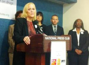 Gretchen Burns Bergman at the National Press Club (Moms United)