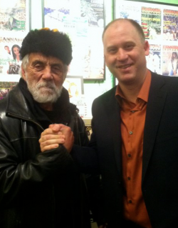 Dana Larsen chillin' with Tommy Chong.