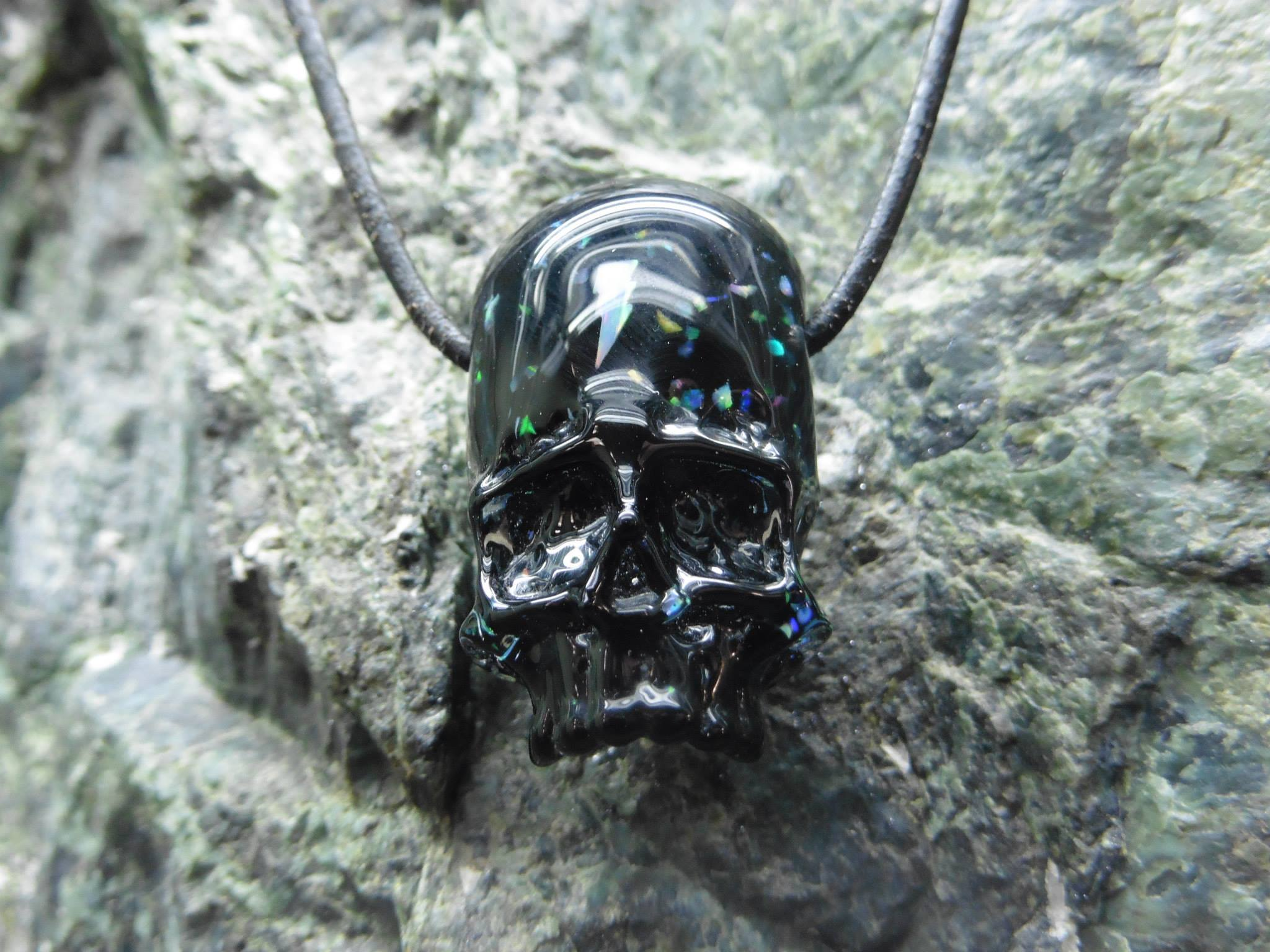 AKIO crushed opal skull pendy