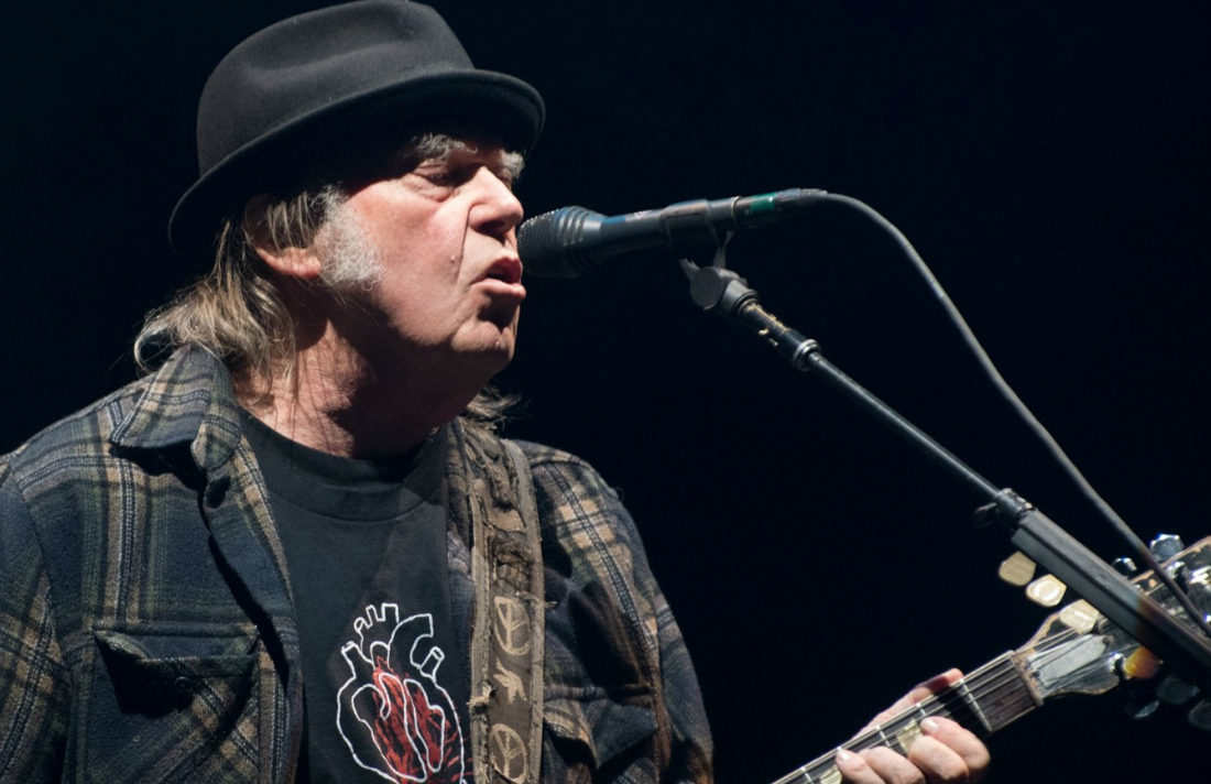 Neil Young Says U.S. Dual Citizenship Process Stalled Because of Marijuana Use