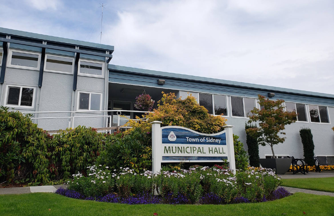 22823888 web1 180911 PNR sidney municipal hall - Proposed Sidney Cannabis Store Wins Favour With Public, Businesses