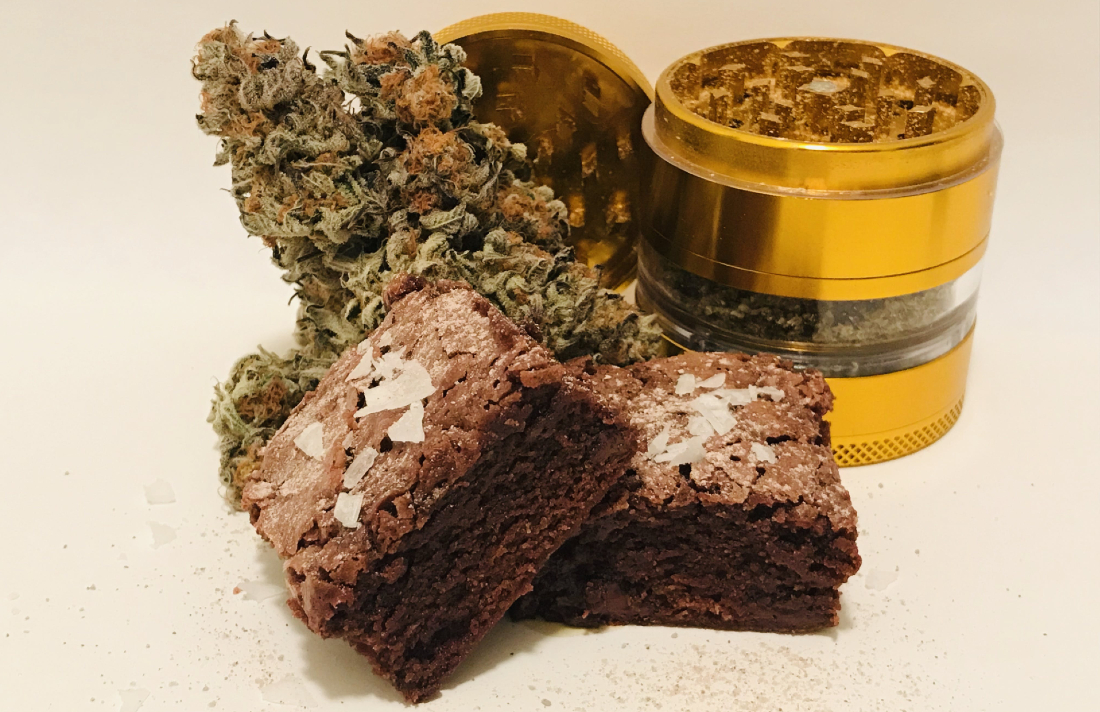 https   www.magneticmag.com .image MTc1MzE0MTgyNzAxMzI3NTk4 weed brownies - Weed And Grub's Mike & Mary Jane Bake Kief-dusted Sea Salt Brownies