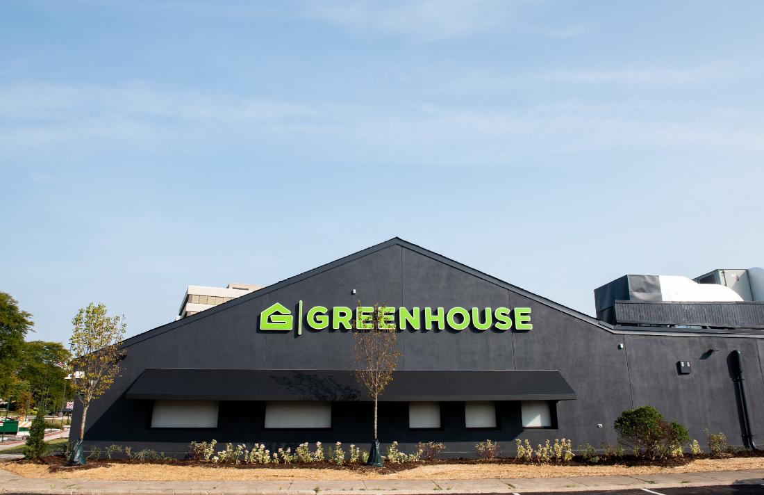 123e23e23ederfweasxasdee - Greenhouse Marijuana Dispensary Opens In Northbrook With Store Designed To Help Educate Consumers